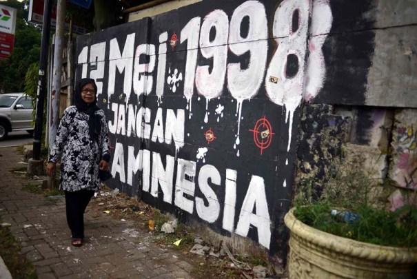 salah-satu-keluarga-korban-tragedi-mei-tahun-1998-ruyati-_140512155659-428